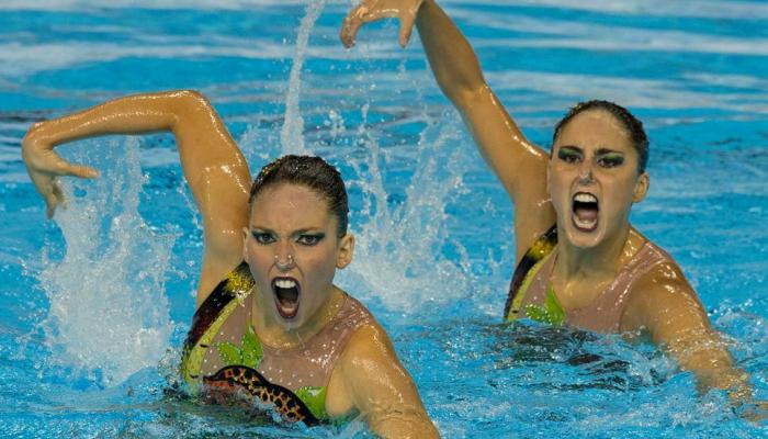 Funny faces of the pan american games synchronized swimmers