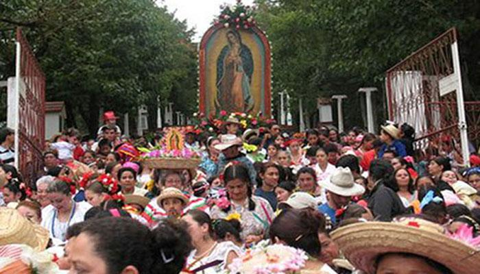 fiesta Virgen mamada